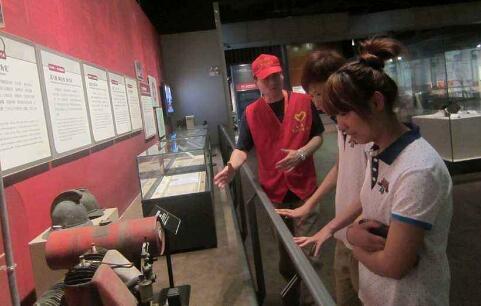 志愿者服务与公共文化建设